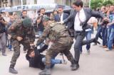 Turski premijer Erdogan udario demonstranta