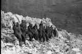 Partizani streljaju nemačke vojne zarobljenike!