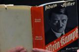 """Italijanski đaci odabrali Hitlerov """"Mein Kampf"""" među 10 najomiljenih knjiga!"""