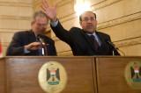 Arhiva: Na današnji dan 2008. irački novinar je gađao Džordža Buša cipelom! (VIDEO)