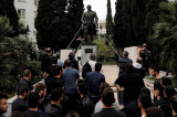 Demonstranti u Grčkoj pokušali da obore spomenik Trumanu