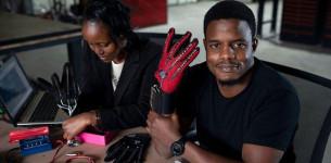 Pretvaranje znakovnog jezika u govor pomoću rukavice!