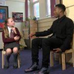 Danijel Staridž, superstar Liverpula, u nenajavljenoj poseti osnovnoj školi