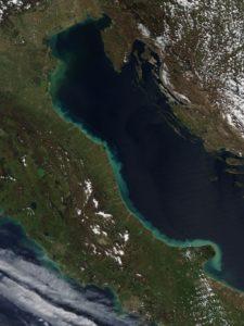 Foto:  Jeff Schmaltz - NASA Earth Observatory