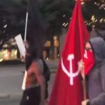 Crni Panteri pozivaju na ubistva policajaca, komunističke zastave u Teksasu