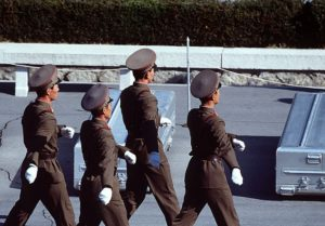640px-Korean_People's_Army_Soldiers_prepare_to_repatriate_remains_during_a_repatriation_ceremony_at_the_Panmunjom_Joint_Security_Area_on_981106-F-AF179-013