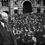 Putinova Rusija kažnjava komuniste za polaganje cveća Lenjinu
