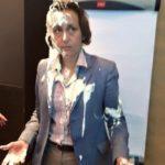 Političarki koja je pristalica pucanja po izbeglicama bacili tortu u lice (VIDEO)