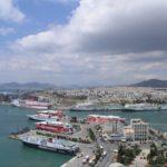 Siriza prodaje luku Pirej da bi otplatila 15 dana duga