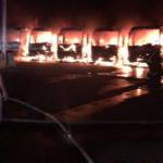 Otpušteni radnici zapalili autobuse poslodavaca (VIDEO)