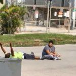 Upucali nenaoružanog čoveka dok je ležao na zemlji! (VIDEO)