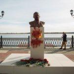 Građani podigli spomenik Staljinu, a dan kasnije je vandalizovan!