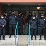 """Izvršitelji iselili porodicu Lalović, privedeni aktivisti """"Krova nad glavom"""""""